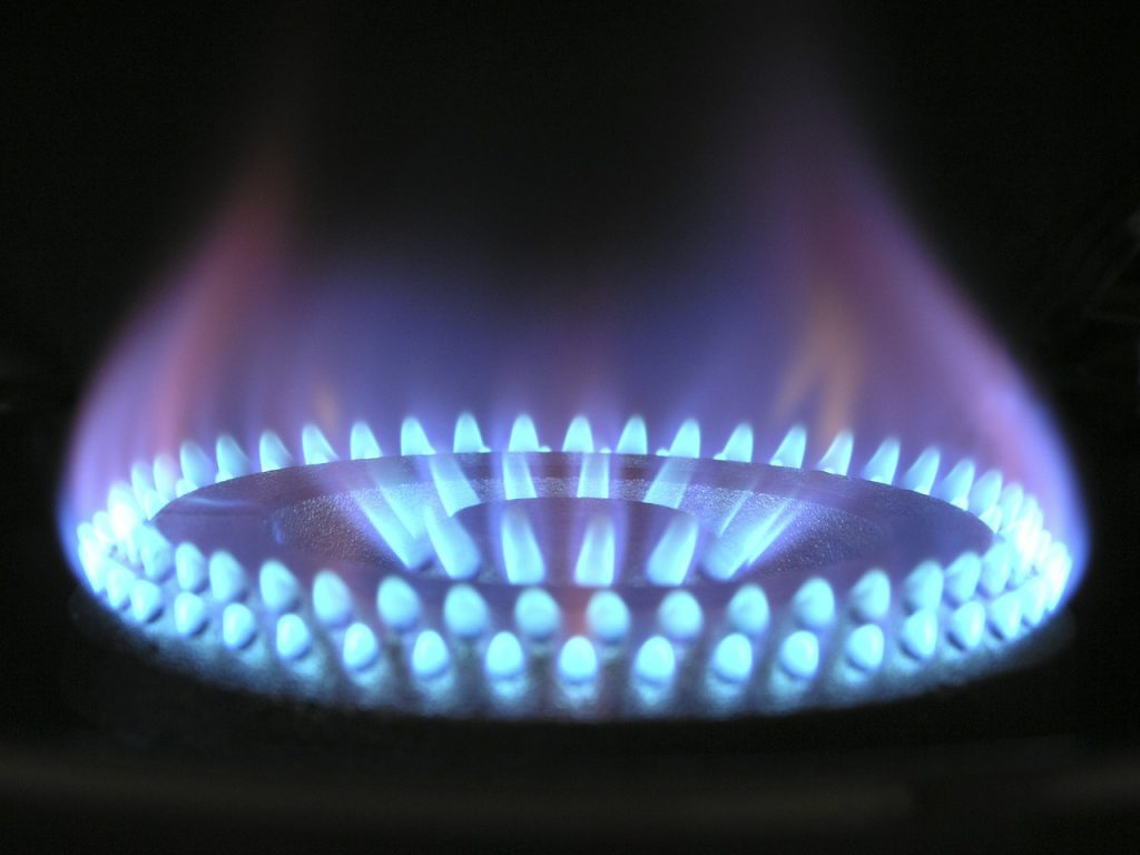 Newton Energy gas with blue flame 1024x768 - 6 Ideas for a Profitable Oil and Gas Business